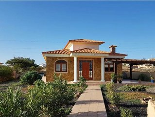 3 bed villa with private solar heated covered pool 6m x 12m sleeps 6 free wifi
