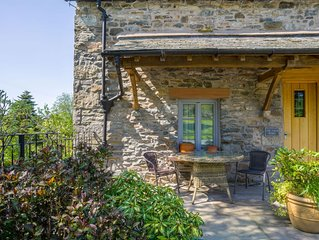 Luxury, High Quality, 'Green' Barn Conversion (Lake District & Dales National Pa