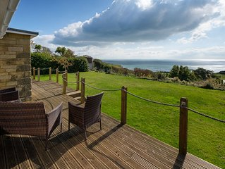 Detached 4 bedroom house, stunning sea views.