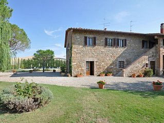 Villa in Bagno Vignoni with 4 bedrooms sleeps 8