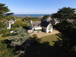 Grande maison, dans un parc arbore avec vue sur mer de l'etage pour 10 personnes
