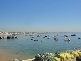 Prime Location 1 bedroom property with sea views & beach upon your doorstep