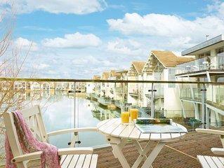 Bellewater (HM32), Cotswolds - sleeps 4 guests  in 2 bedrooms