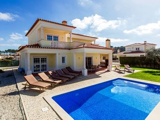 Sunny 4 bedroom Praia d'el Rey villa, Private Pool & WiFi