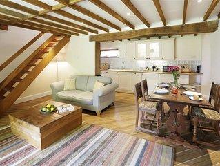 Gardeners Den - One Bedroom House, Sleeps 2
