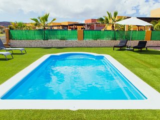 Villa Surprise Climaticed Pool, BBQ, Golf, Free Wifi,solar energy 100x100