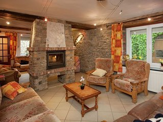 Charming Holiday Home in Awenne with a Beautiful Terrace