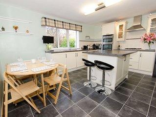 Sealsbank Cottage - sleeps 6 guests  in 3 bedrooms