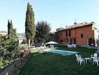 Castelvecchio casa vacanze 3 camere 2 bagni piscina giardino panoramico quiete