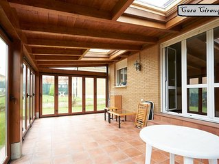 New house in rural area with garden and porch in central Navarra