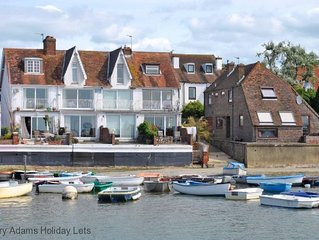 1 Seaview Terrace, Emsworth -  a cottage that sleeps 6 guests  in 3 bedrooms