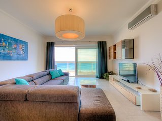 SEAFRONT LUXURY APT WITH POOL