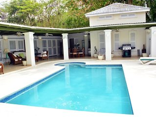 5 bedroom villa with pool ..,sleeps 10