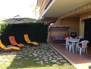 appartamento con ampio giardino in villa a 400 mt dalla sabbia d'oro di Diamante