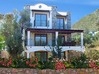 Quality Holiday Villa with Shared Pool and Sea Views