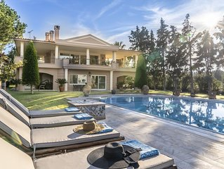 Recently renovated Villa Verde in Chalkida can accommodate up to 13 persons