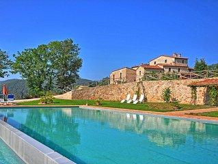 Villa in Iesa with 14 bedrooms sleeps 27