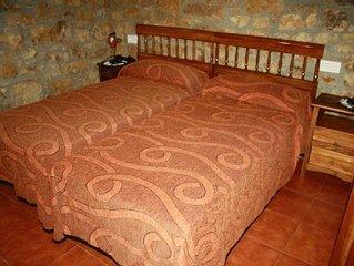 Aptos Rurales La Caviana para 4 personas, cama matrimonio y dos individuales