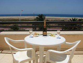Apartamento Estudio en primera linea de Playa con terraza y vistas al mar