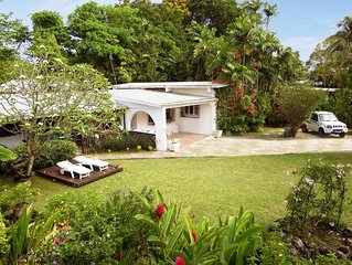 Lovely villa-lush gardens. Easy 2 min walk to beach, pool, bars, dining, shops