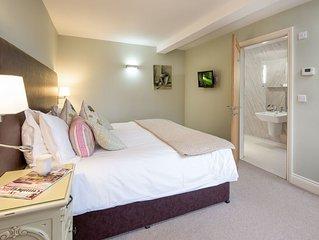 Ash Cottage - One Bedroom Cottage, Sleeps 2