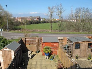 Willow Way - Two Bedroom House, Sleeps 4