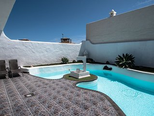 Privately Rented Villa w/Spa/Lagoon Style Heated Pool-Private/Secure ADSL/WiFi