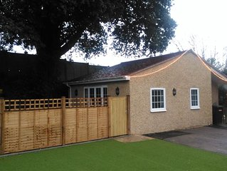 Newly refurbed one bed annexe, less than 5 mins walk into Milford on Sea