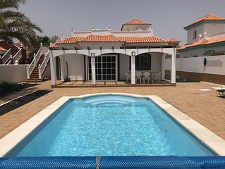Detached Villa, Caleta, Golf Complex, Private Heated Pool with Sea/Golf Views
