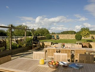 The Perfect Cotswolds Location