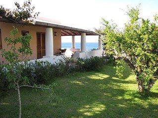 Villetta in stile eoliano in riva al mare con terrazzi e splendida vista -Lipara