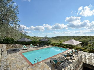 Adine, Chianti villa with pool and wifi