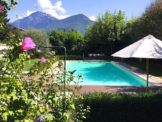 IRIS 2 giardino e piscina Lago di Como