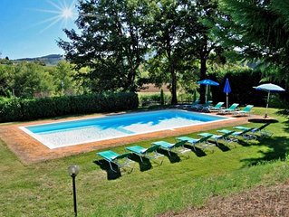 Lovely farmhouse with private pool & garden in Siena area up to 14 people