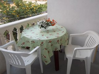 Studio flat with terrace Komiza (Vis) (AS-8926-b)