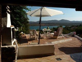 Accogliente casa a schiera, veranda con stupenda vista sul mare a 100 m