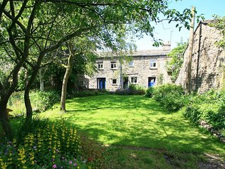 Superb Cottage & Large Garden With River Frontage