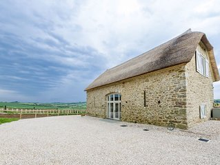 MERRY HILL BARN Detached Barn Conversion (Sleeps 6 in 3 bedrooms, 1 King 1 Doubl