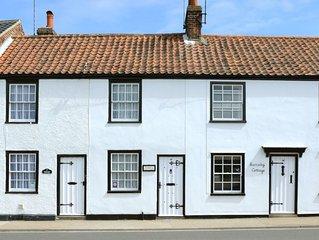 Pebbles Cottage - One Bedroom House, Sleeps 2