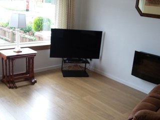 House, No Smoking, No Pets, Rail Station 1.8 km, Edinburgh (25 min)-Glasgow line