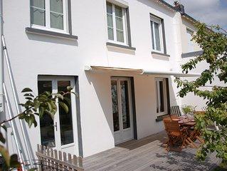Entre plages et bourg, à 5 mn à pied de l'océan, agréable maison 4 chambres