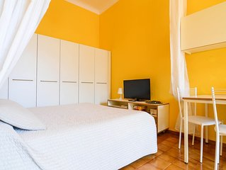 Spacious Monolocale Garibaldi apartment in Bellagio with WiFi & air conditioning