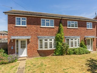 The perfect house for outdoor enthusiasts just a 2 minute walk to the coast path
