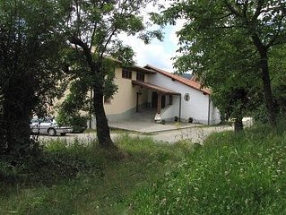 Casa rural  Mikelenea muy amplia, especial grupos