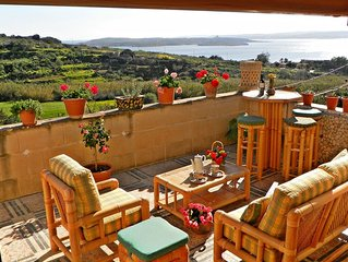 Great Location: FREE Gozo transfers, WIFI, Bicycles & BBQ  – NO Car required!