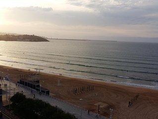 OFERTA ESPECIAL: Primera linea de playa San Lorenzo de Gijon con garaje.