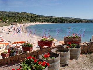 Sardegna-Isola Rossa: a 30 m dalla spiaggia. Casa 'Domus de Janas-1'