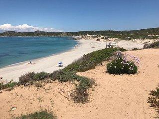 Sardegna Bilocale 2/5 pax + pet, grande terrazzo vista mare vicino alla spiaggia