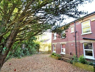Yew Tree Apartment Two Ryde -  an apartment that sleeps 4 guests  in 2 bedrooms