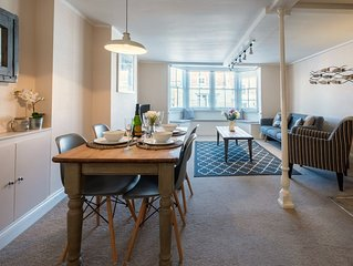 Smugglers Loft - High Street Views | Grade II listed in the heart of Lymington